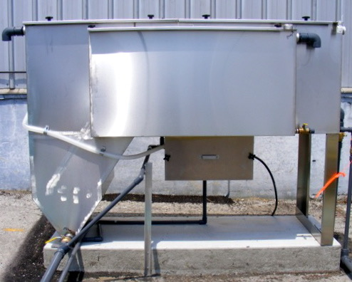 Product image of an SPT- Series Clarifier Oil Water Separator System for High Solids Applications